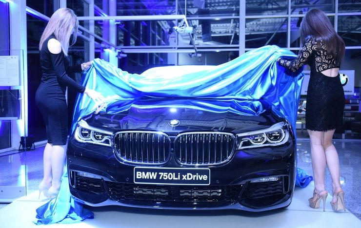 BMW-ს ლუქს-ლიმუზინი საქართველოშია!