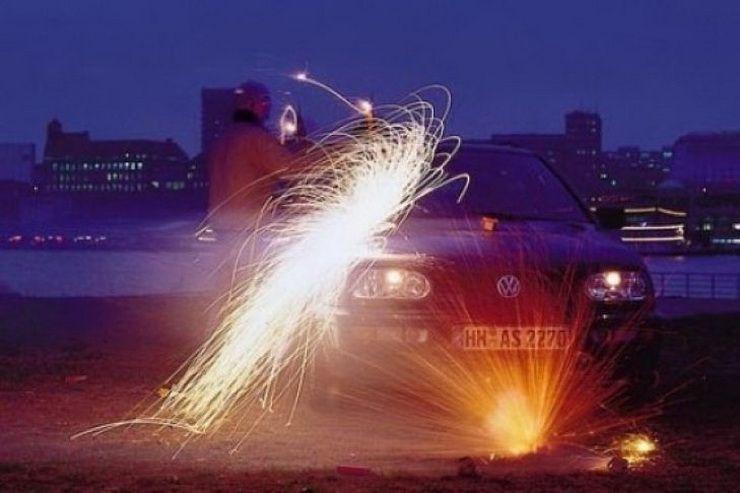 საახალწლო ფოიერვერკები მანქანისთვისაც საშიშია! სად დავაყენოთ ავტომობილები დღეს?